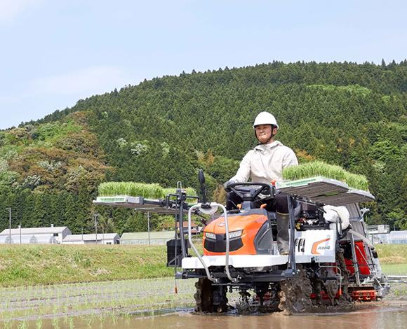 湿田で田植えに苦労する皆さまへ。 高い走破性を誇るアスウェルがその課題を解決します!
