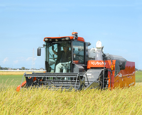 新たに導入したアグリロボコンバインWRH1200Aで収穫作!乾直を取り入れた経営で規模拡大に挑む!
