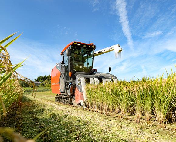 南相馬市でアグリロボコンバインの収穫実演会を開催! 非熟練者でもDR6130Aならスムーズな収穫作業を実現